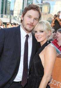 Chris Pratt and Anna Faris looking adorable together!
